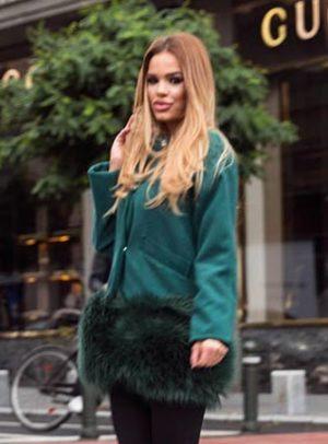Palton scurt verde calduros si elegant fabricat din stofa si captusit cu margine din blana London
