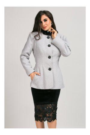 Jacheta gri lunga eleganta cu nasturi eleganti si gulerul cu dantela din catifea Ginette