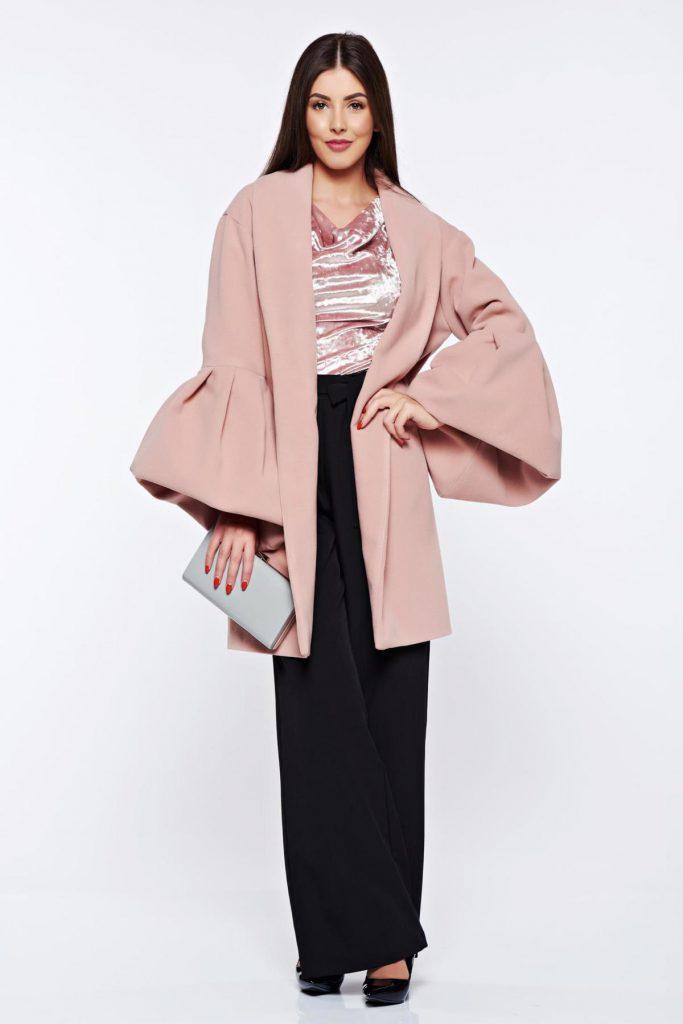 Palton roz elegant din lana 100% Ana Radu cu maneci clopot bufante si croiul drept