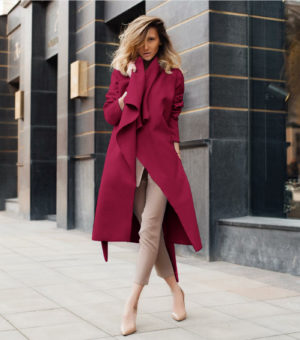 Palton tip cardigan visiniu elegant din stofa subtire si moale accesorizat cu cordon in talie Elise