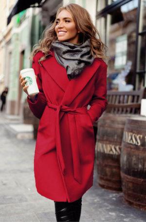 Palton lung si calduros rosu de ocazie cu cordon in talie perfect pentru tinute elegante Freddo