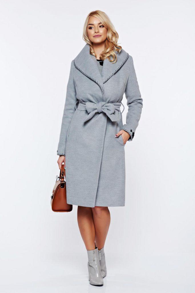 Palton LaDonna gri elegant din lana in clos brodat accesorizat cu cordon pentru femei