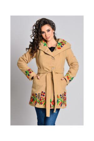 Palton bej scurt elegant si stilat cu broderie florala colorata