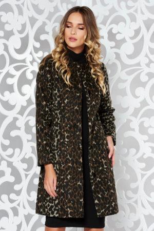 Palton de iarna maro cu maneci lungi si croiala dreapta moderna si comoda realizat din material gros si pufos