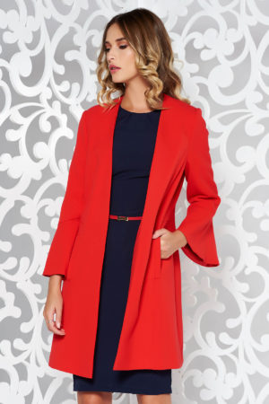 Palton rosu elegant cu croiala chic si design feminin cu maneci trei sferturi cu volanase realizat din material fin la atingere