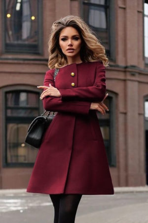 Palton visiniu bordo de iarna casual elegant din stofa cu lana si croiala evazata accesorizat cu cordon in talie Dulcis