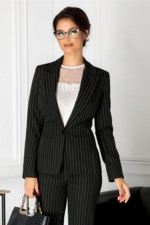 Sacou office negru cu dungi versatil foarte elegant cu aspect cambrat ce se inchide cu nasture maxi LaDonna