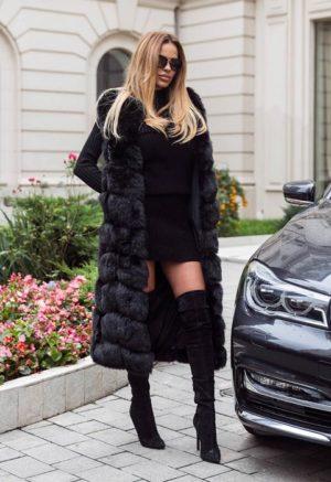 Vesta lunga neagra din blanita pufoasa si deasa ce tine de cald la solduri si picioare Snow