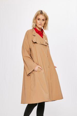 Palton oversize crem fara captuseala realizat din material neted si subtire pentru zile racoroase de toamna iarna Wiya for Answear
