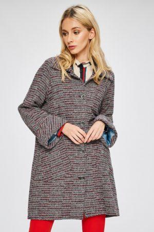 Palton oversize cu maneci largi in raglan dintr-un material subtire perfect pentru zile reci de toamna si iarna Answear
