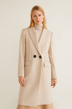 Palton calduros de iarna bej elegant cu croiala dreapta, buzunare oblice si inchidere cu nasturi Mango Amy