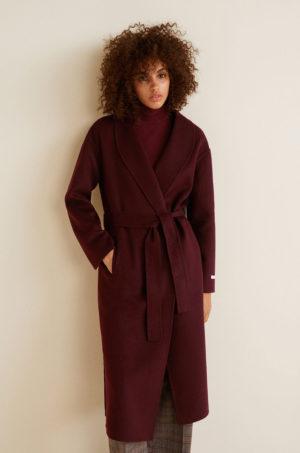 Palton calduros de iarna visiniu elegant lung cu cordon lat in talie si buzunare oblice Mango Love