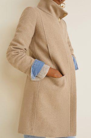Palton bej din lana drept cu cu fermoar acoperit, Guler ridicat si Buzunare laterale oblice Mango Swing