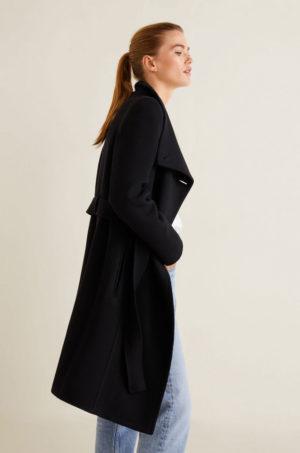 Palton lejer lung negru din lana cu textura fina pentru dama cu Guler ridicat si incheiere cu nasturi Mango Venus