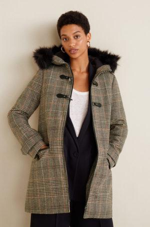 Palton dama modern si calduros gri maro realizat din material ornamentat cu carouri Mango Woolchek