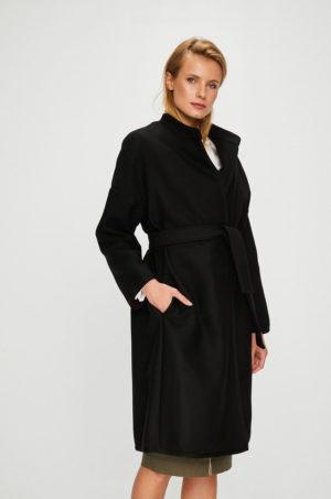 Palton dama elegant lung negru din lana cu croiala lejera usor oversize accesorizat in talie cu o curea lata Pinko Barile