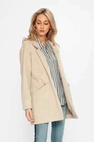 Palton scurt elegant bej pentru office sau ocazie cu croiala lejera si buzunare laterale Sublevel