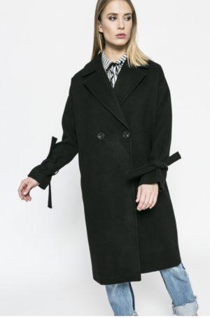 Palton oversize negru elegant si lung pentru femei Vero Moda Siena cu fason lejer si nasturi decorativi