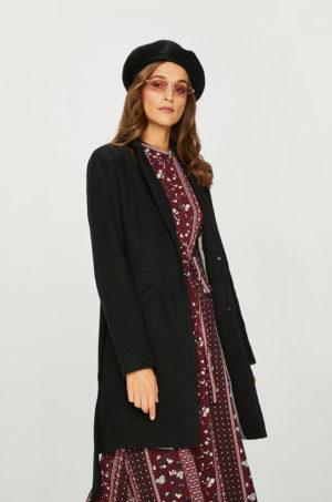Palton dama negru calduros cu fason mulat, Buzunare oblice si Incheiere cu cleme Vero Moda