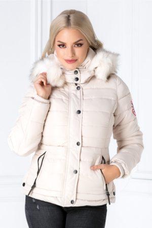 Geaca scurta casual bej calduroasa si moderna accesorizata cu o gluga stilata cu blanita stil vulpe polara Iza