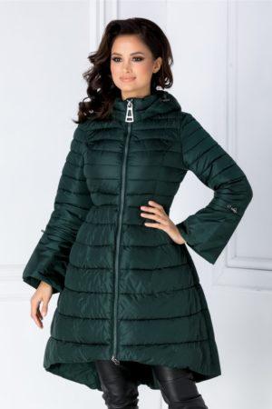Geaca de iarna matlasata verde lunga evazata cu design inedit si maneci clopot Yvone