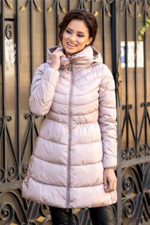 Geaca calduroasa roz prafuit lunga casual cu guler si gluga perfecta pentru zilele friguroase