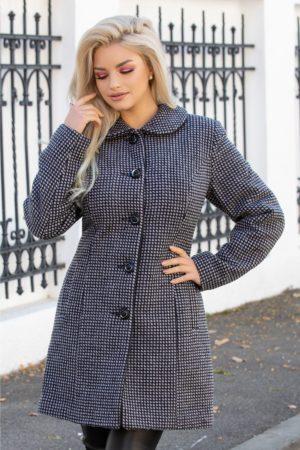 Palton calduros din lana in carouri cu buzunare laterale si inchidere cu nasturi in care te vei simti confortabil si vei arata fabulous Amalia
