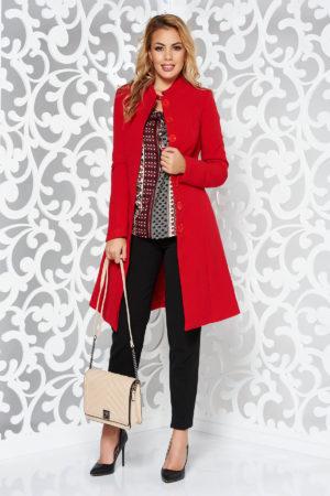 Palton seducator rosu elegant in clos ce se inchide cu nasturi ascunsi in fata si accesorizat cu un cordon fundita Artista