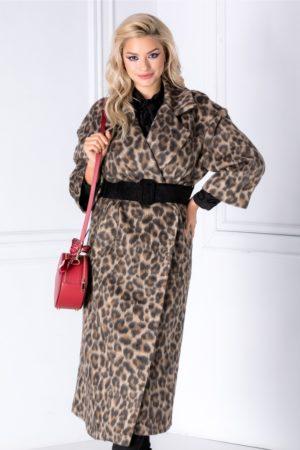 Palton lung de ocazie elegant cu imprimeu animal print realizat din blana ecologica cu buzunare laterale si curea in talie Caty