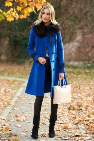 Palton elegant albastru din lana cu insertii de broderie si guler cu blanita moale si pufoasa perfect pentru ocazii speciale LaDonna