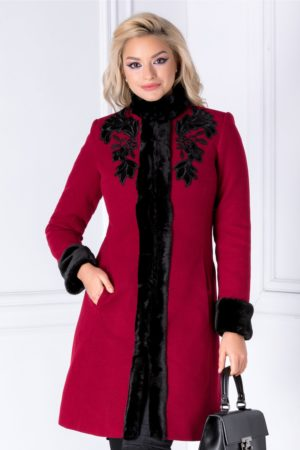 Palton de lux visiniu elegant de iarna realizat din din lana calduroasa cu insertii cu blanita si broderie LaDonna