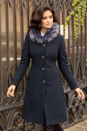 Palton dama bleumarin calduros si stilat cu guler din blana naturala ce se inchide cu patru nasturi eleganti cu sclipici Moze