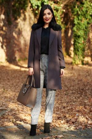 Palton gri inchis elegant din stofa groasa cu lana prevazut cu guler din blana detasabila si buzunare interioare StarShinerS