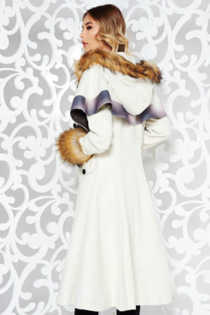 Palton alb din lana cu insertii de blana ecologica si croiala in clos pe captuseala satinata cu manecile lungi StarShinerS
