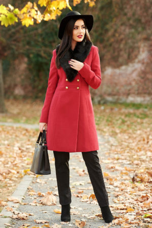 Palton rosu lung din lana calduroasa si groasa foarte elegant cu croiala usor evazata si guler cu blanita neagra artificiala StarShinerS