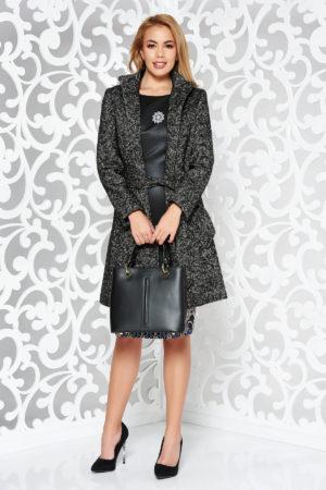 Palton din lana negru cambrat si drept foarte calduros accesorizat cu guler tunica si captusela matlasata