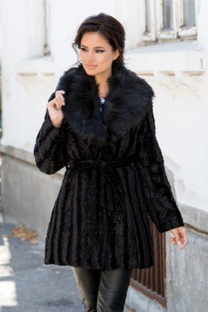 Palton dama negru de iarna realizat din blanita ecologica foarte calduros si modern pentru tinute de vis