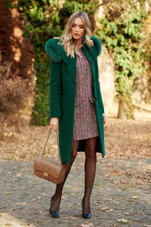 Palton verde elegant cu guler detasabil din blana naturala realizat din stofa bucle cu continut de lana calduroasa pe captuseala matlasata
