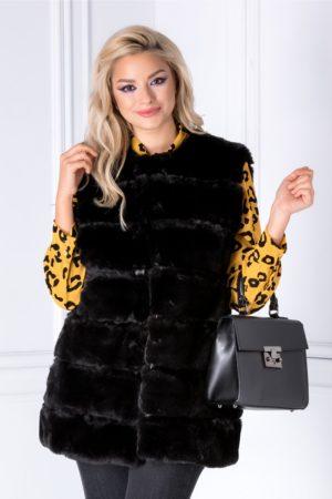 Vesta neagra eleganta din blanita calduroasa cu insertii discrete de piele ecologica si buzunare laterale pentru un confort sporit Tere