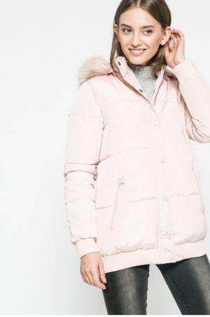Geaca matlasata roz pudra Answear groasa pentru iarna accesorizata cu gluga cu blanita